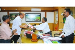 Mr.K.Ramachandran, IAS, District Collector, Palakkad and President VISWAS welcomes MCL MD Mr.K.Padmakumar